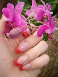 Наращивание ногтей - чем лучше?