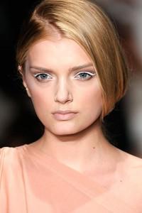Модный макияж глаз - белые тени