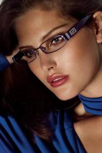 Макияж для тех кто носит очки
