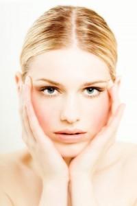 Как снимать макияж