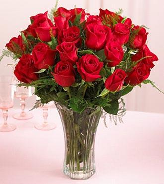 Уход за розами в вазе
