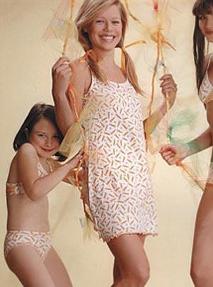 Девушки подростки без нижнего белья фото