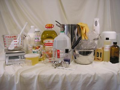 Необходимые вещи для домашнего мыловарения