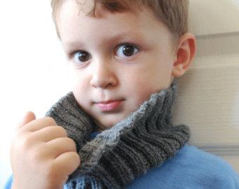 Как связать манишку для ребенка