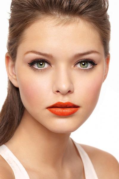 Морковный цвет помады